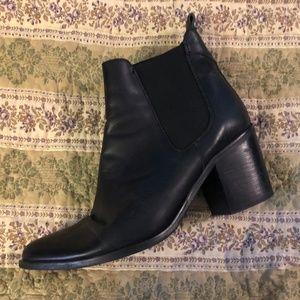 Steve Madden Black Leather Heeled Bootie